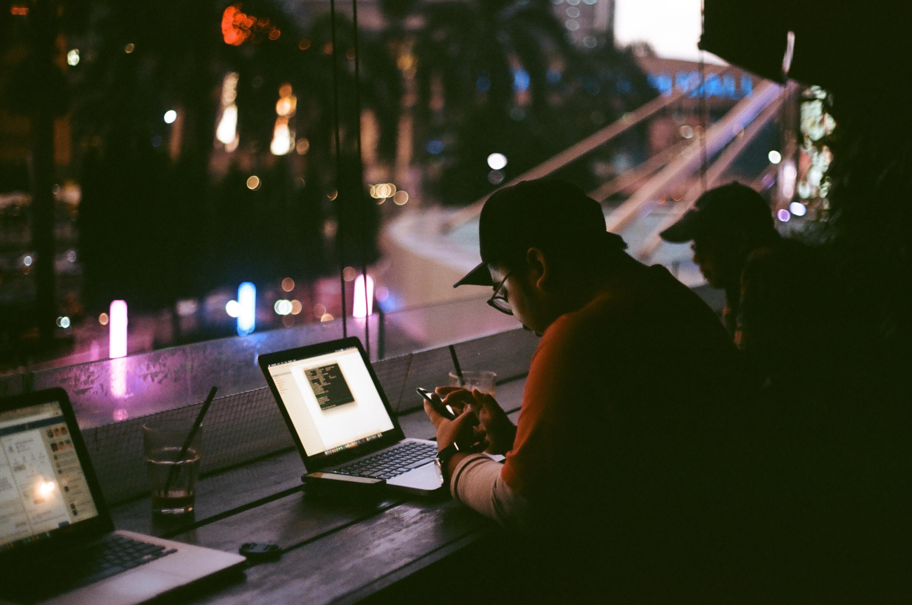 muhammad raufan yusup 254422 unsplash - Est-ce vraiment simple de devenir Web-Entrepreneur